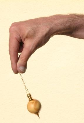 oscillation du pendule en radiesthésie
